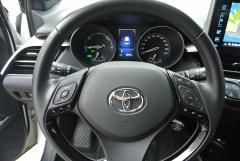 Toyota-C-HR-10