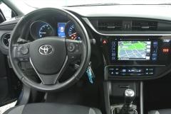 Toyota-Auris-2
