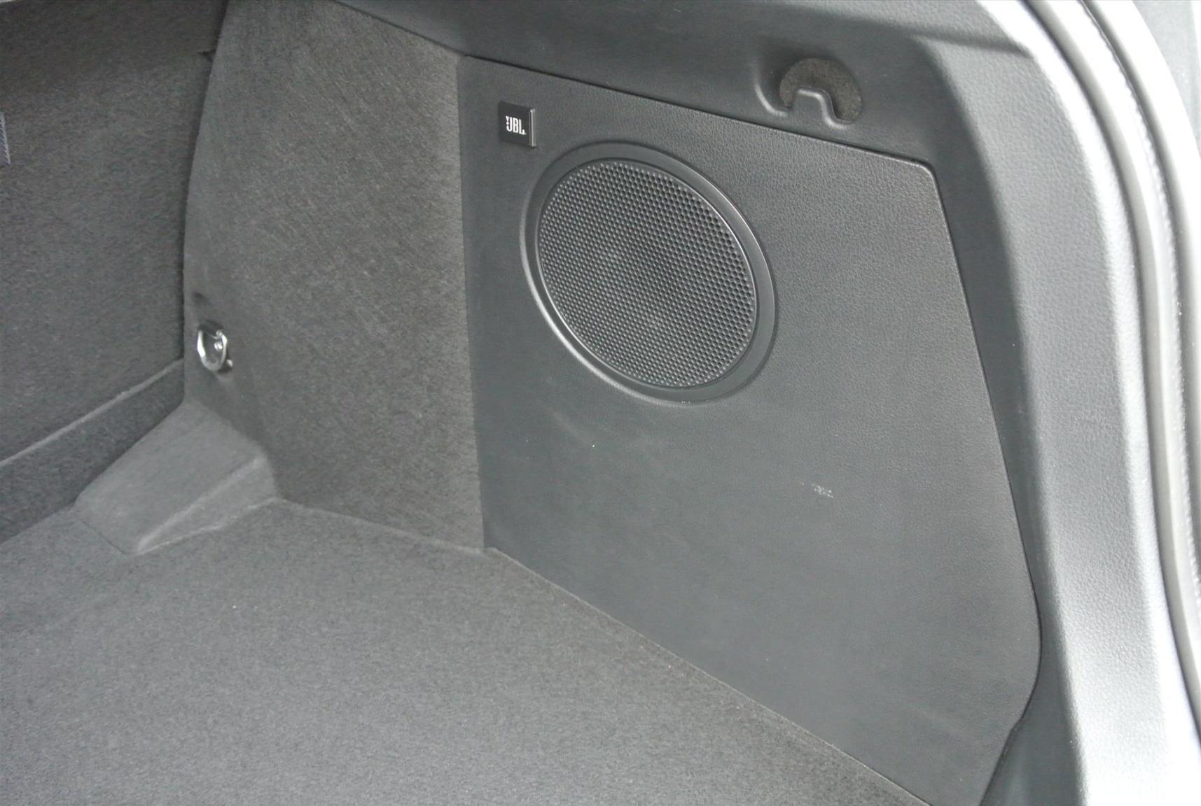Toyota-C-HR-17