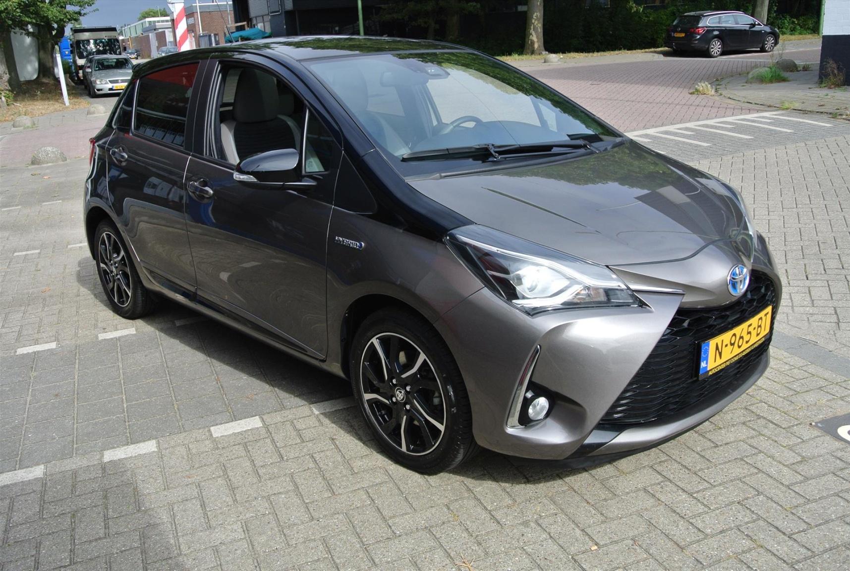 Toyota-Yaris-1
