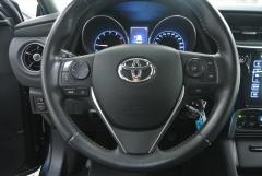 Toyota-Auris-10